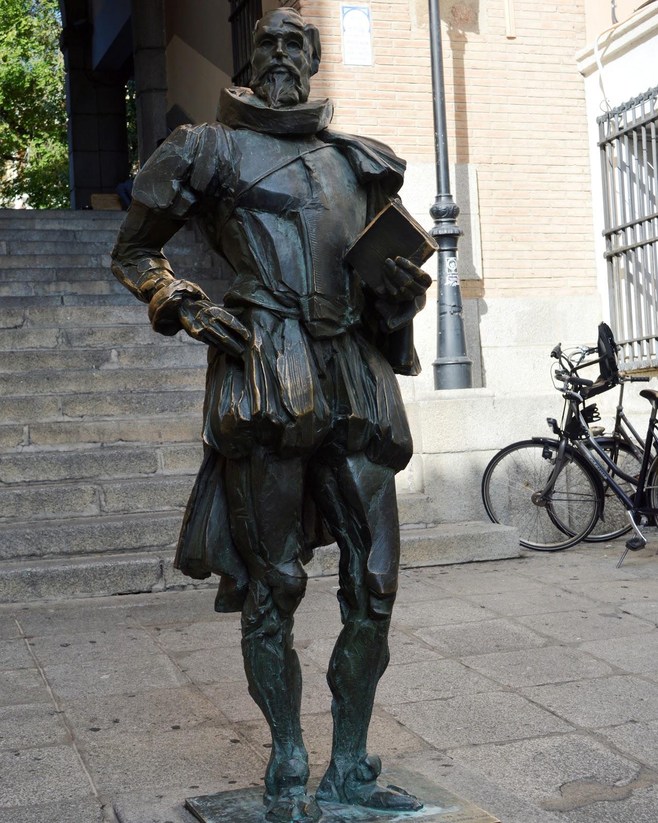 памятник Мигелю Сервантесу