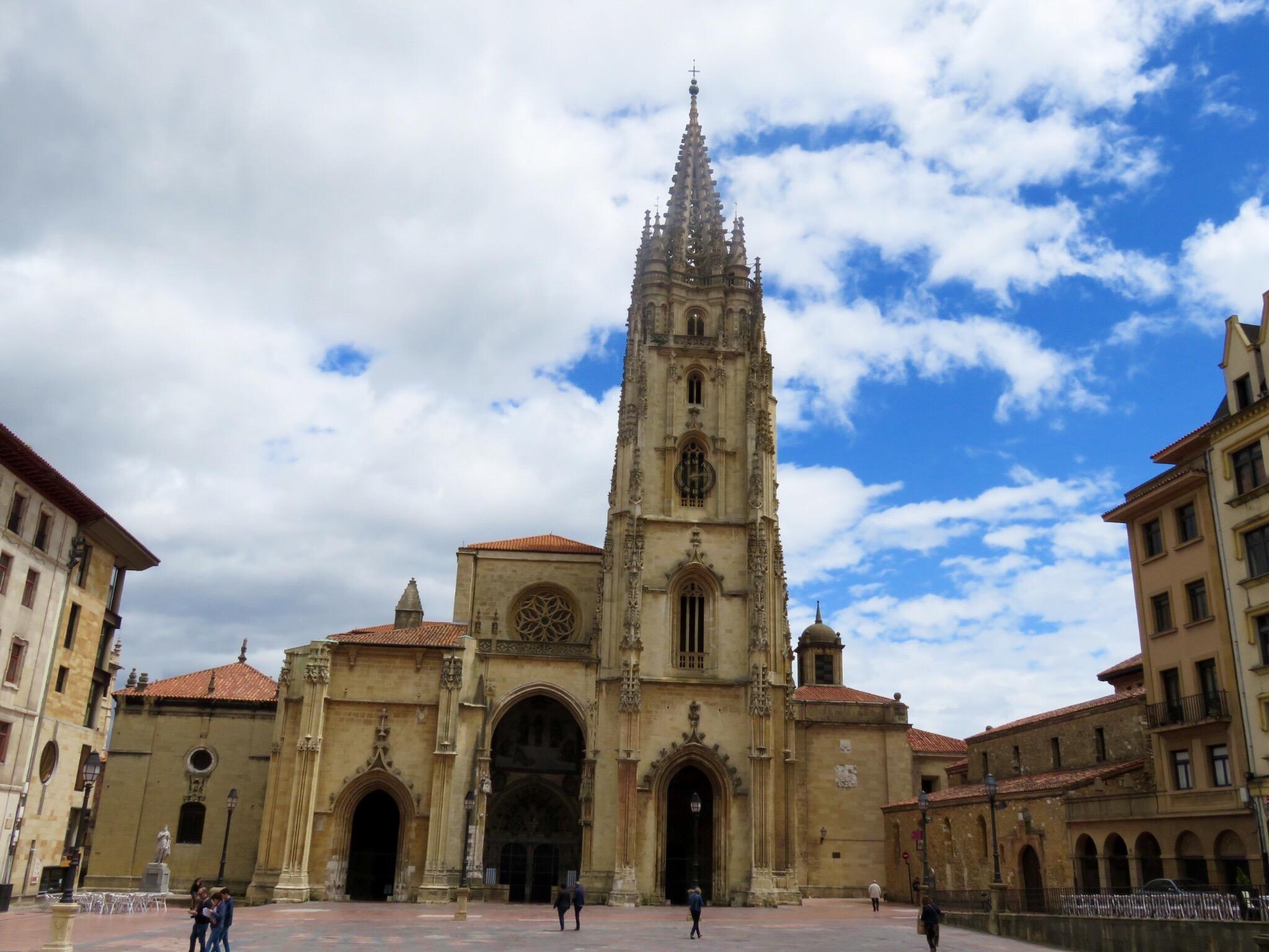 Кафедральный собор в городе Овьедо