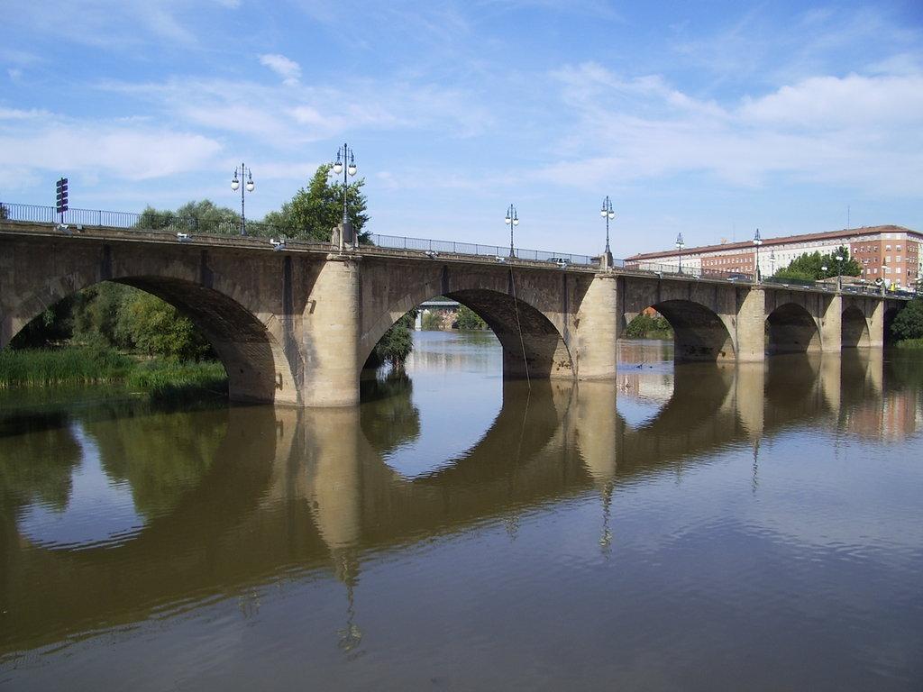 Мост Пуэнте-де-Пьедра