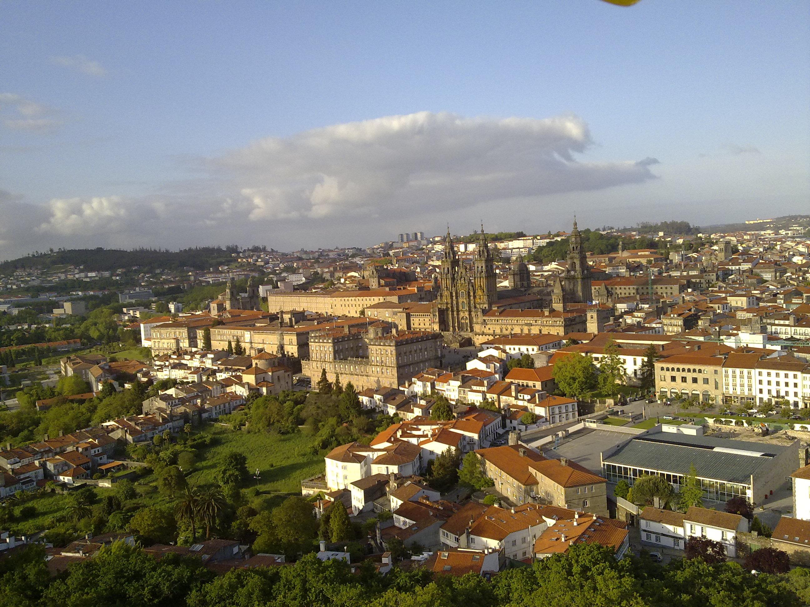 Сантъяго-де-Компостела - вид сверху