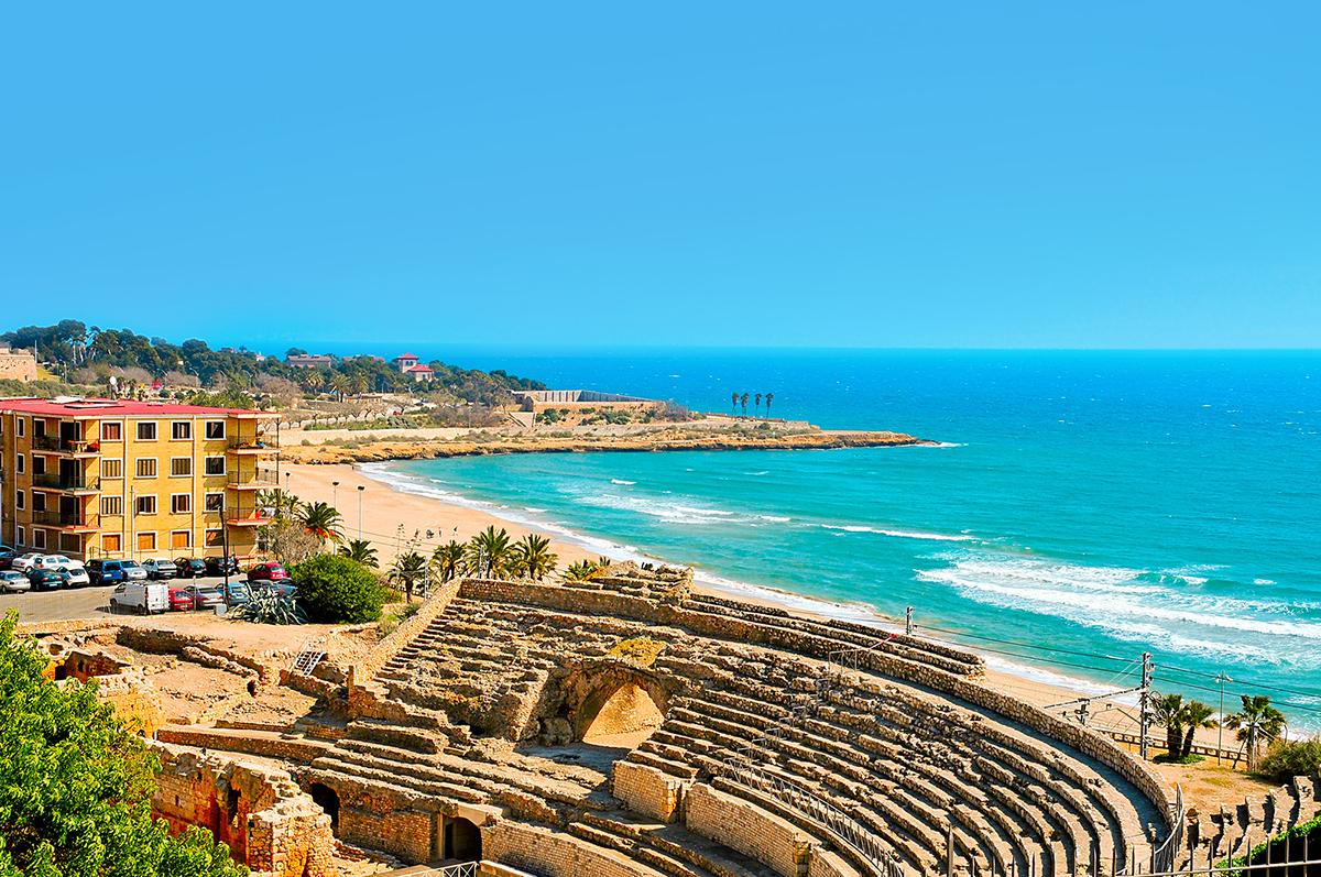 Города испании с пляжами фото туристов