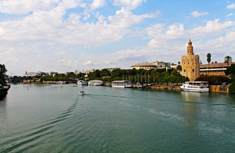Река Гвадалквивир в Севильи