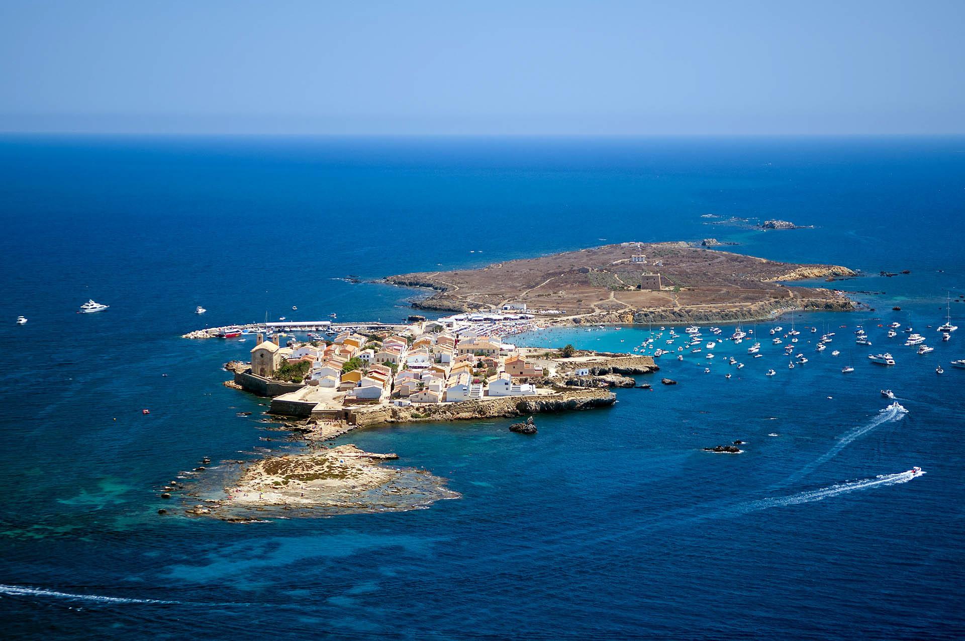 Маленький остров Табарка