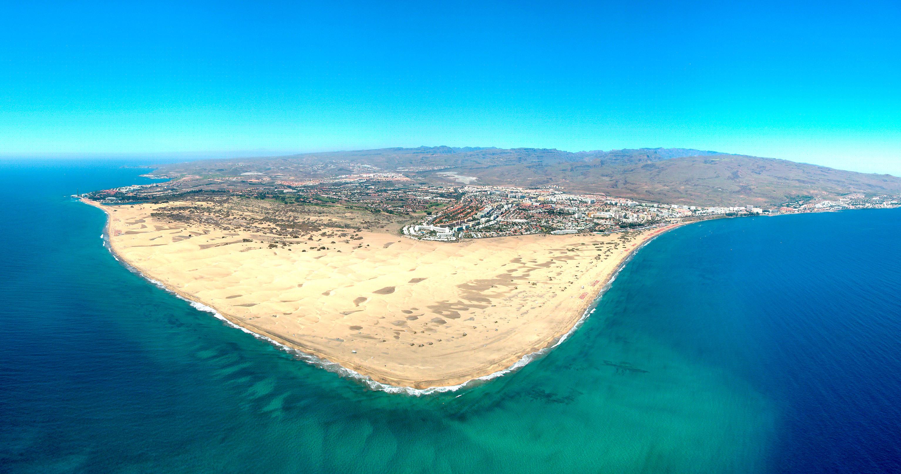 Песчаный пляж Плая-де-Маспаломас