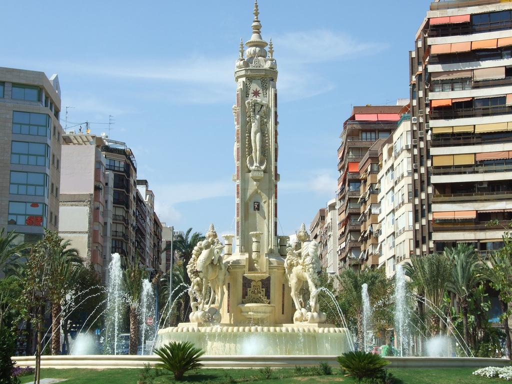 Главная площадь Аликанте - Лос Лусерос