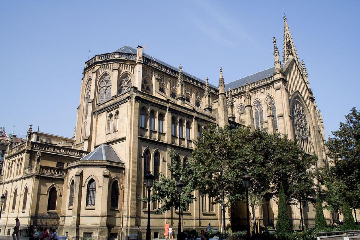 Фасад Кафедрального собора Доброго пастыря в Сан-Себастьяне