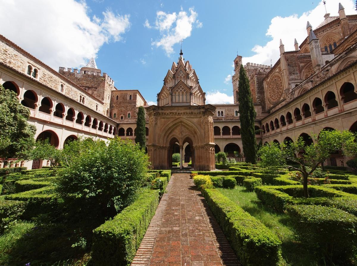 Монастырь Санта-Мария-де-Гвадалупе