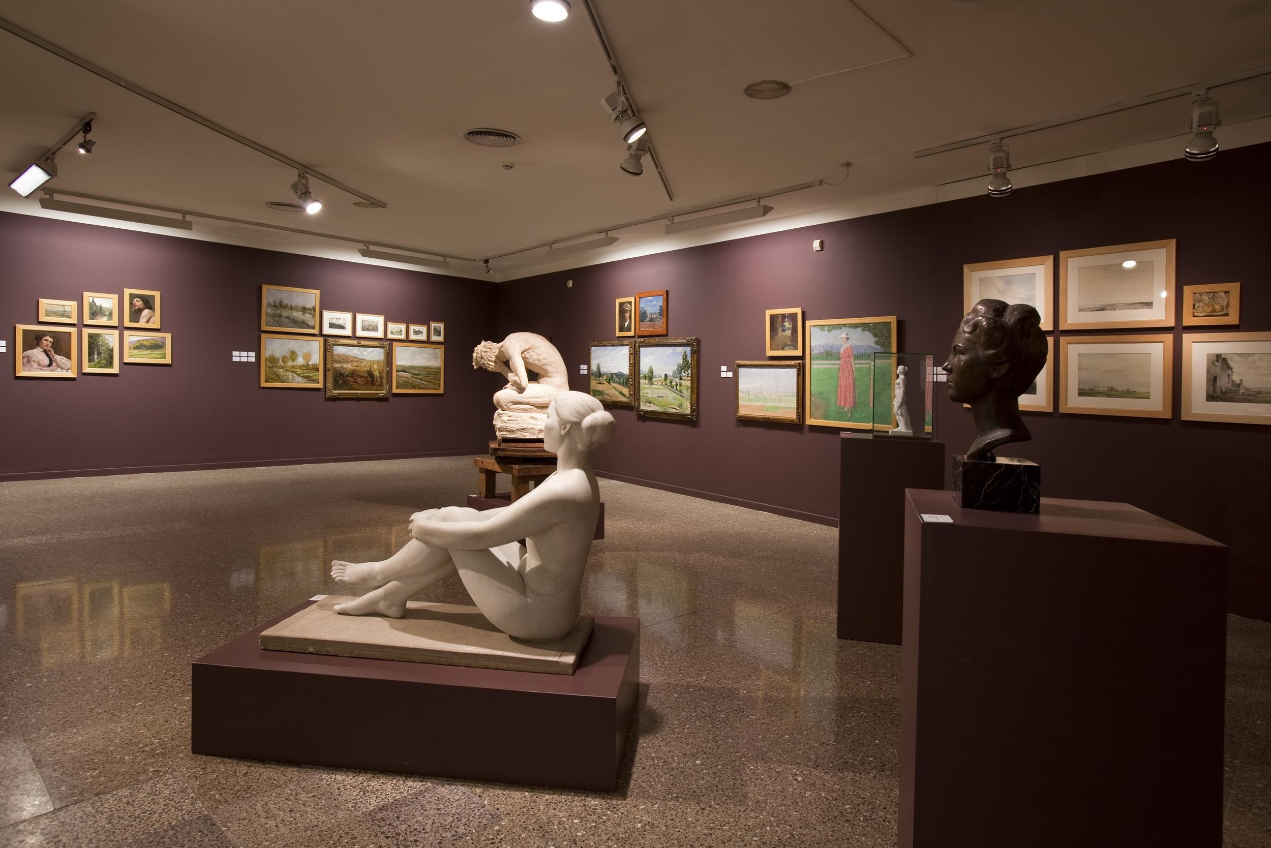 Экспонаты музея Эмпорда