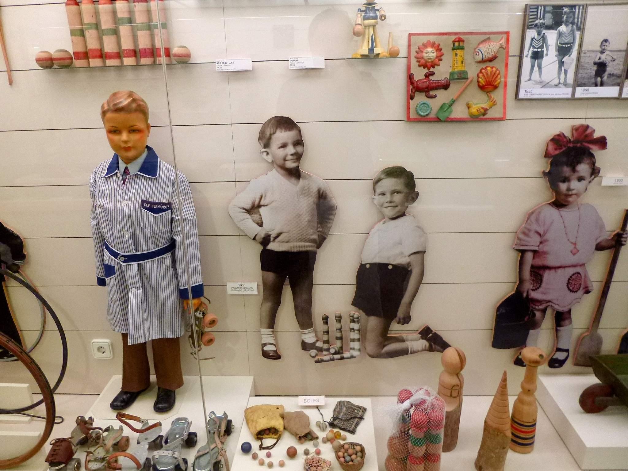 Экспонаты Музея игрушек Каталонии