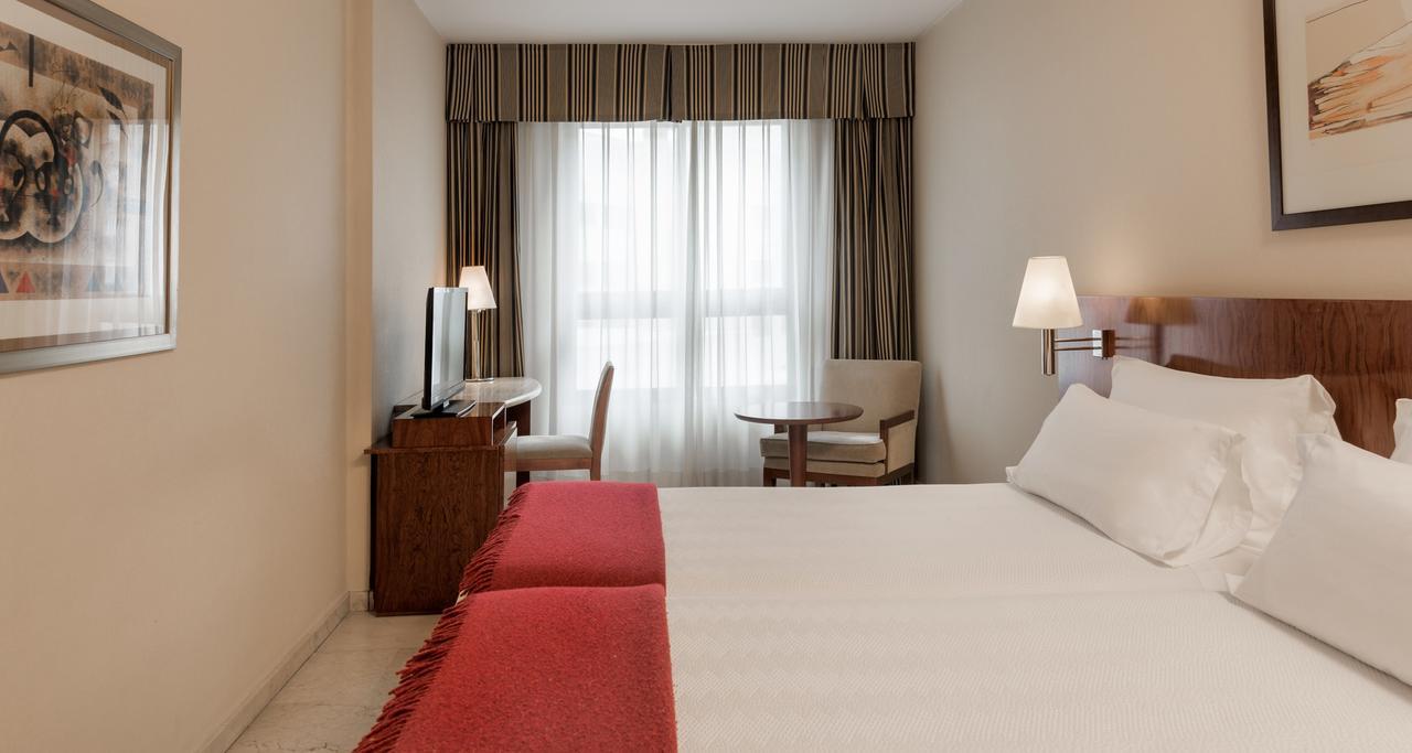Номер в отеле NH Logrono Herencia Rioja
