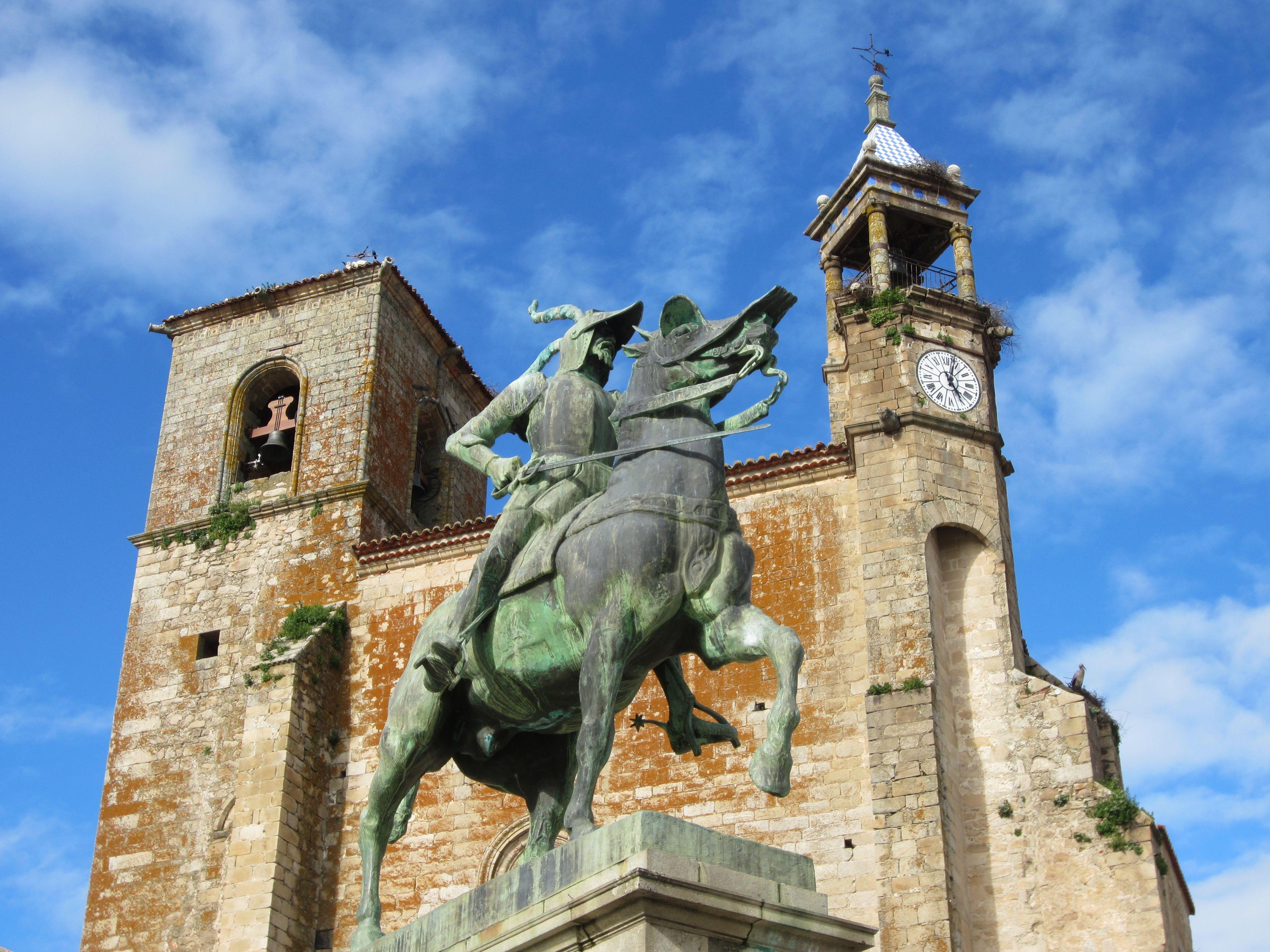 Статуя Франсиско Писарро в Трухильо