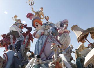 праздник в Испании фальяс