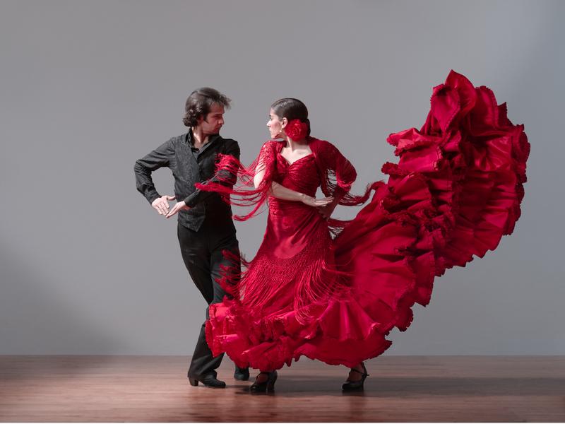 Испанцы любят танцевать и веселиться