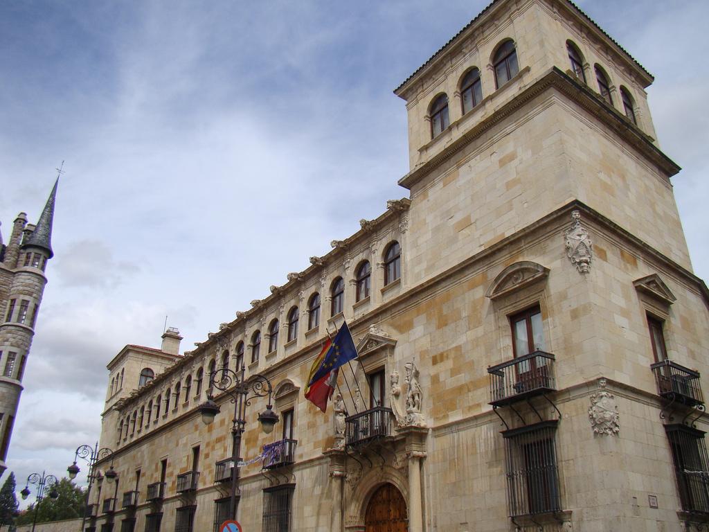 Леон, Испания: впечатляющие достопримечательности, прогулки и экскурсии, хорошие рестораны